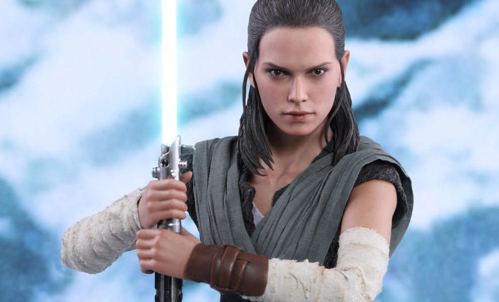 Gallery Feature Image of Rey Jedi Training Sixth Scale Figure - Click to open image gallery