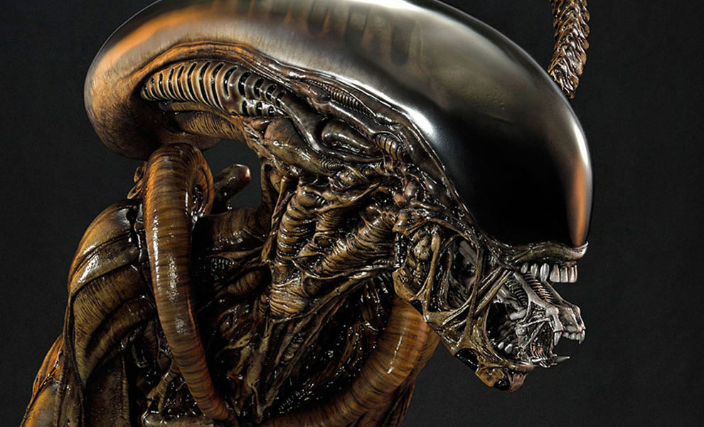 Gallery Feature Image of Dog Alien Deluxe Maquette - Click to open image gallery