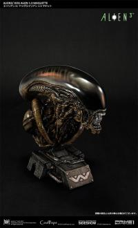 Gallery Image of Dog Alien Deluxe Maquette