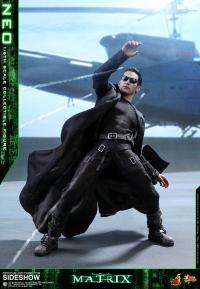 Gallery Image of Neo Sixth Scale Figure
