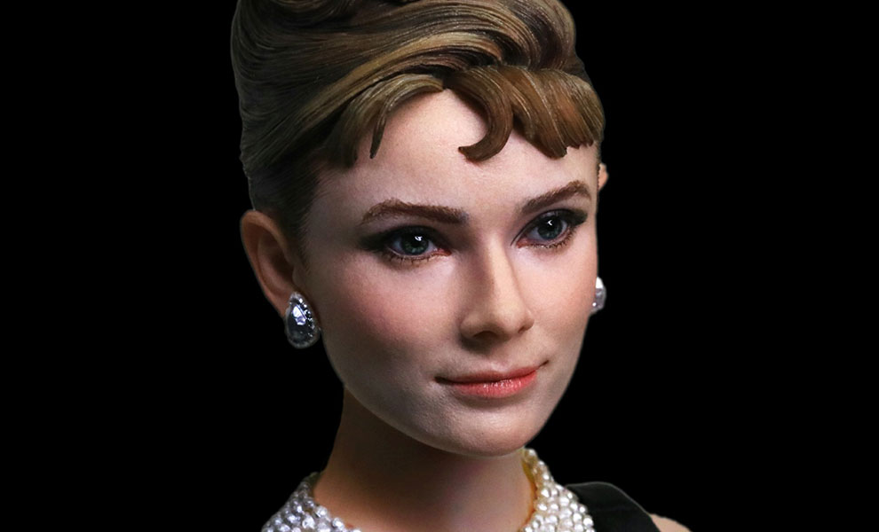 Gallery Feature Image of Audrey Hepburn as Holly Golightly Sixth Scale Figure - Click to open image gallery