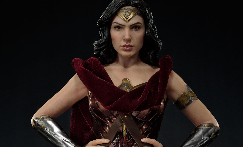 Gallery Feature Image of Wonder Woman Ultimate Version Statue - Click to open image gallery