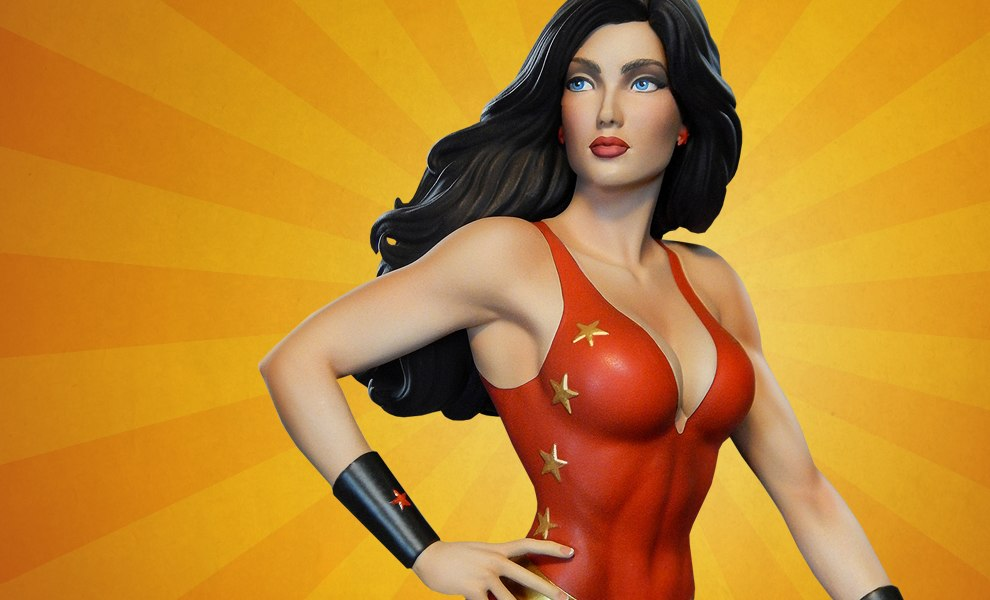 Gallery Feature Image of Super Powers Donna Troy Maquette - Click to open image gallery