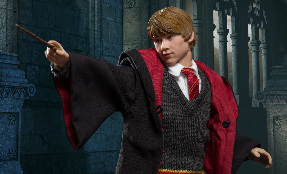 Gallery Feature Image of Ron Weasley Deluxe Sixth Scale Figure - Click to open image gallery
