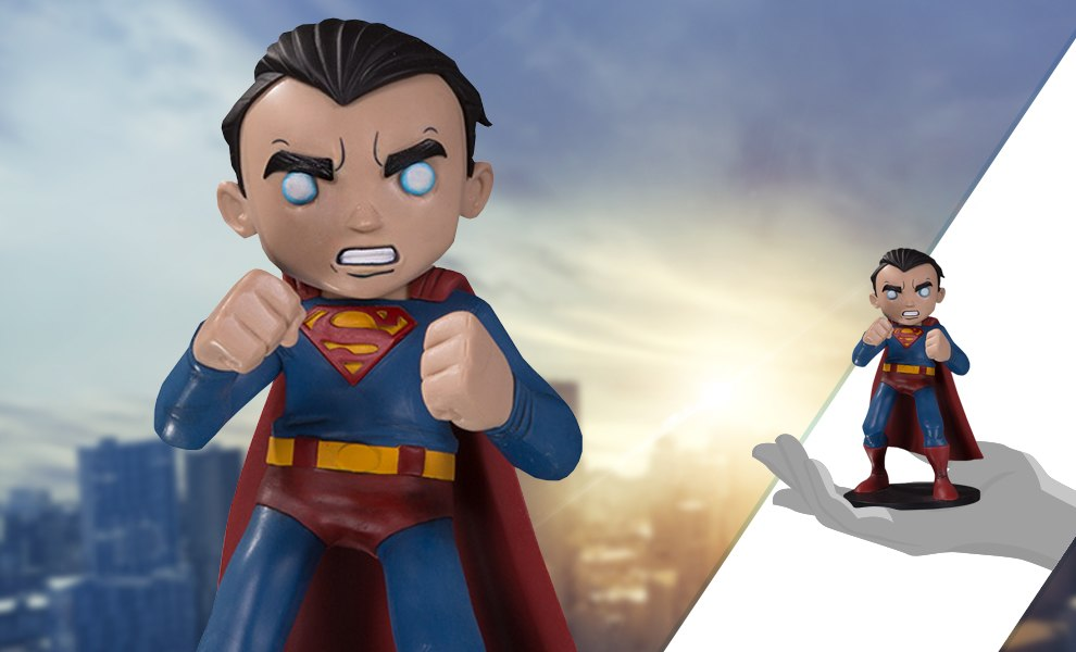 Gallery Feature Image of Superman Vinyl Collectible - Click to open image gallery