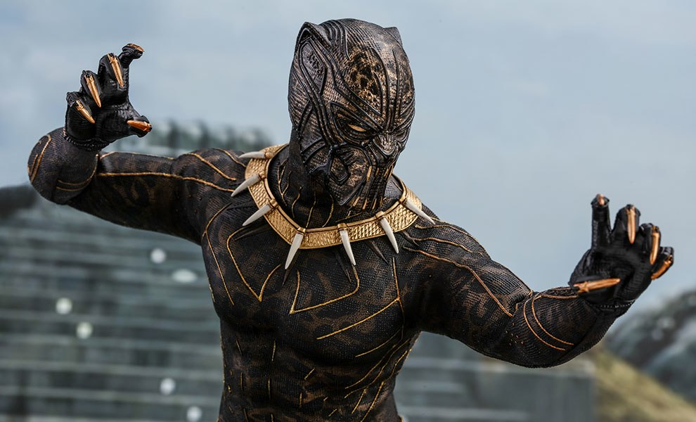 Gallery Feature Image of Erik Killmonger Sixth Scale Figure - Click to open image gallery
