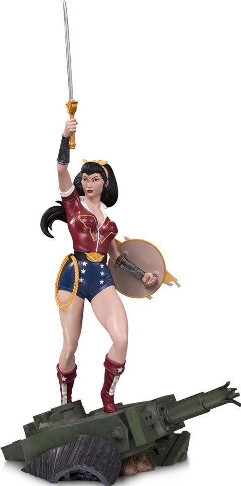 DC Direct Wonder Woman Deluxe Statue