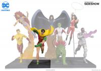 Gallery Image of Robin Statue