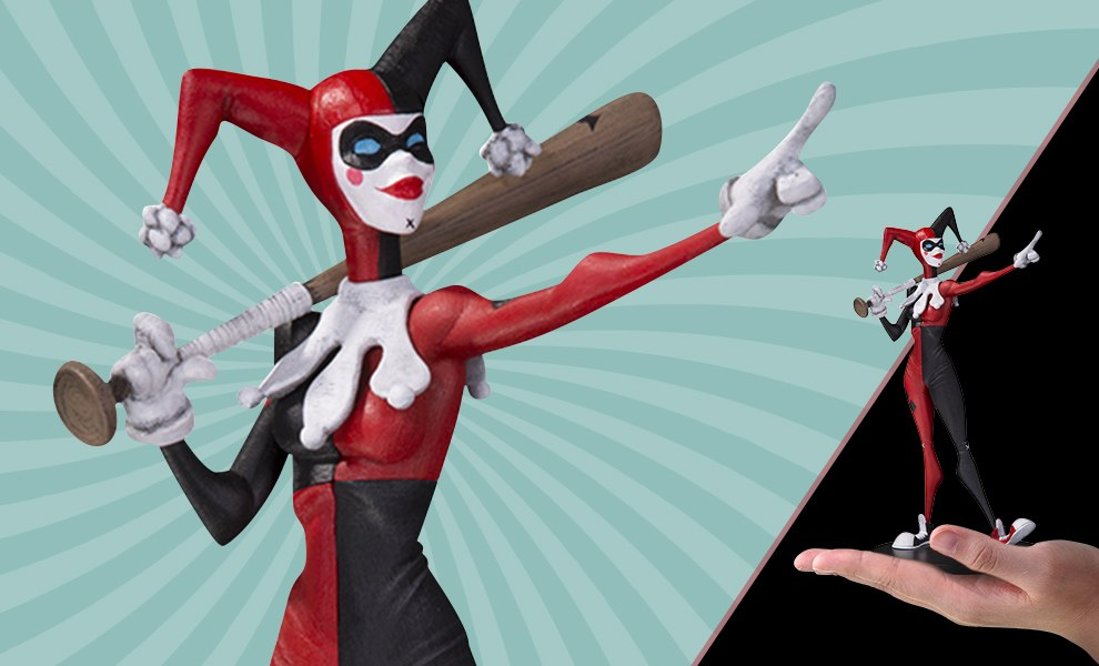 Gallery Feature Image of Harley Quinn Vinyl Collectible - Click to open image gallery