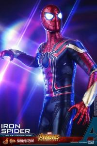 Gallery Image of Iron Spider Sixth Scale Figure