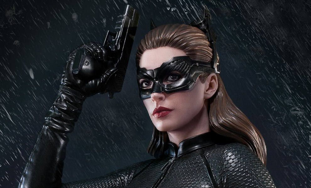 Gallery Feature Image of Selina Kyle Catwoman Statue - Click to open image gallery