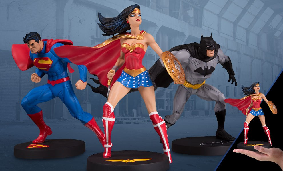 Gallery Feature Image of Jim Lee Collector 3-Pack Statue - Click to open image gallery