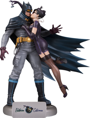 Batman and Catwoman Deluxe Statue