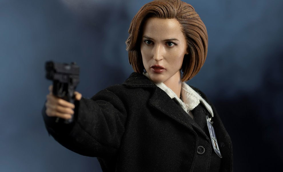 Gallery Feature Image of Agent Scully Deluxe Version Sixth Scale Figure - Click to open image gallery