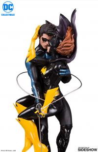 Gallery Image of Nightwing and Batgirl Statue