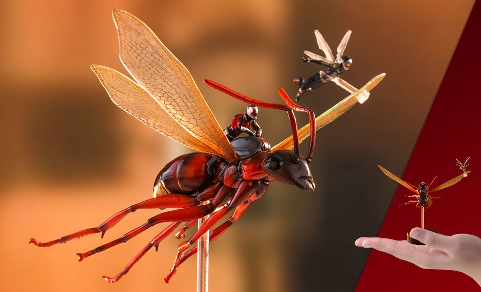 Gallery Feature Image of Ant-Man on Flying Ant and the Wasp Diorama - Click to open image gallery