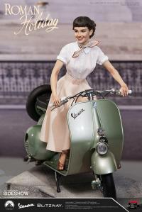 Gallery Image of Princess Ann & 1951 Vespa 125 Statue