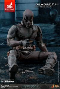 Gallery Image of Deadpool Dusty Version Sixth Scale Figure
