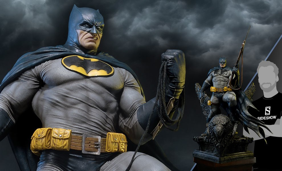 Gallery Feature Image of Batman Deluxe Version Statue - Click to open image gallery