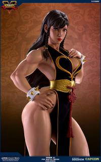 Gallery Image of Chun-Li Legacy Collectible Set