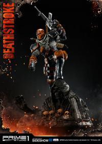 Gallery Image of Deathstroke Statue