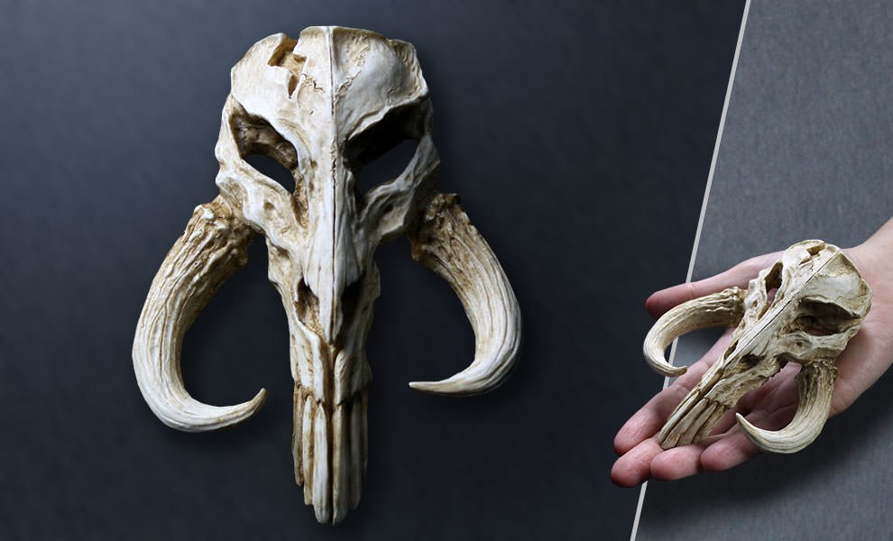 Gallery Feature Image of Mandalorian Skull Mini Sculpture Statue - Click to open image gallery