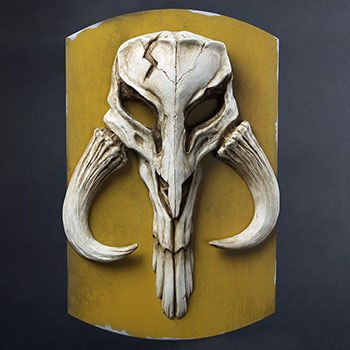 Mandalorian Skull Plaque Statue