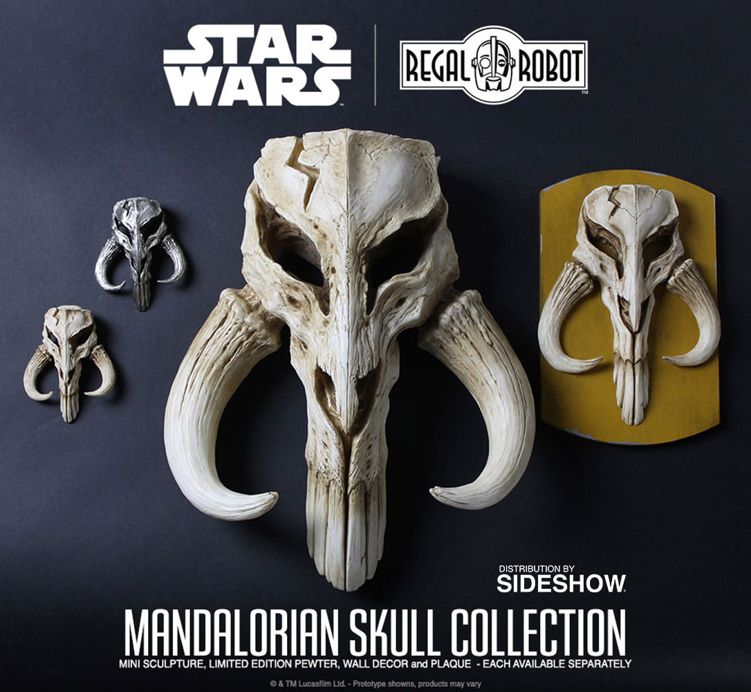 6ee8fd868 Star Wars Mandalorian Skull Wall Decor Statue by Regal Robot ...