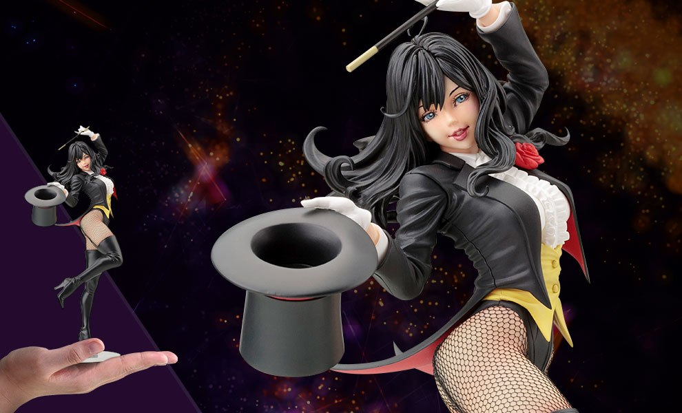 Gallery Feature Image of Zatanna Statue - Click to open image gallery