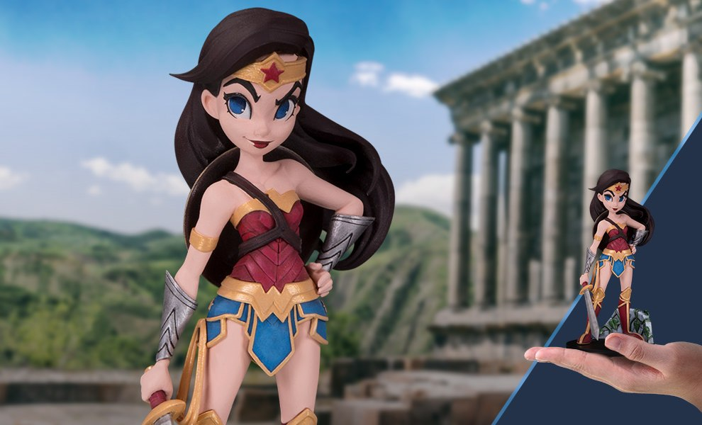 Gallery Feature Image of Wonder Woman Vinyl Collectible - Click to open image gallery