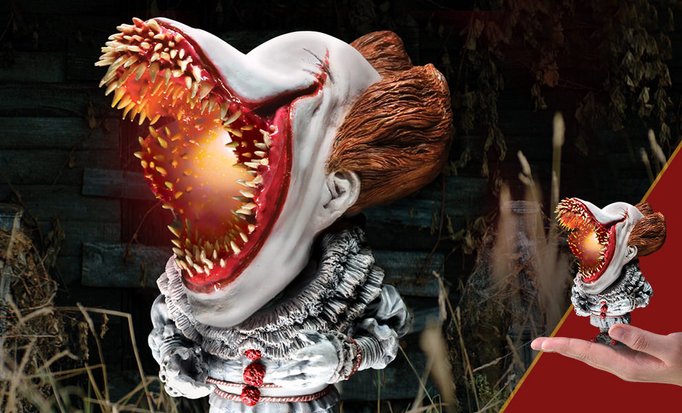 Gallery Feature Image of Pennywise Scary Light-Up Version Vinyl Collectible - Click to open image gallery