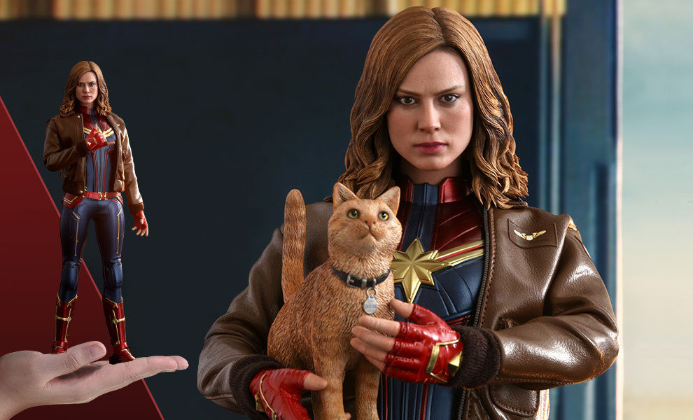 Gallery Feature Image of Captain Marvel Deluxe Version Sixth Scale Figure - Click to open image gallery