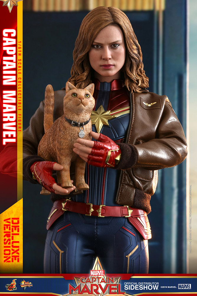 https://www.sideshow.com/storage/product-images/904311/captain-marvel-deluxe-version_marvel_gallery_5c5dd8d1d4f19.jpg