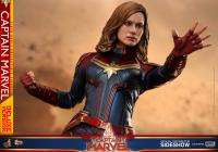 Gallery Image of Captain Marvel Deluxe Version Sixth Scale Figure