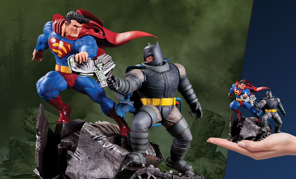 Gallery Feature Image of Batman VS Superman Statue - Click to open image gallery