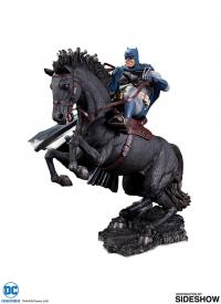 Gallery Image of The Dark Knight Returns Call to Arms Statue
