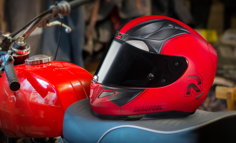 Gallery Feature Image of Deadpool 2 HJC RPHA 11 Pro Helmet - Click to open image gallery