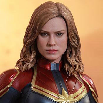 Captain Marvel Sixth Scale Figure
