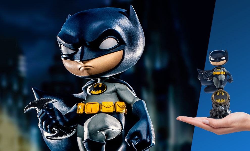 Gallery Feature Image of Batman (Deluxe) Mini Co. Collectible Figure - Click to open image gallery