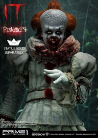 Gallery Image of Pennywise Bust Set Collectible Set