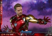Gallery Image of Iron Man Mark LXXXV Sixth Scale Figure