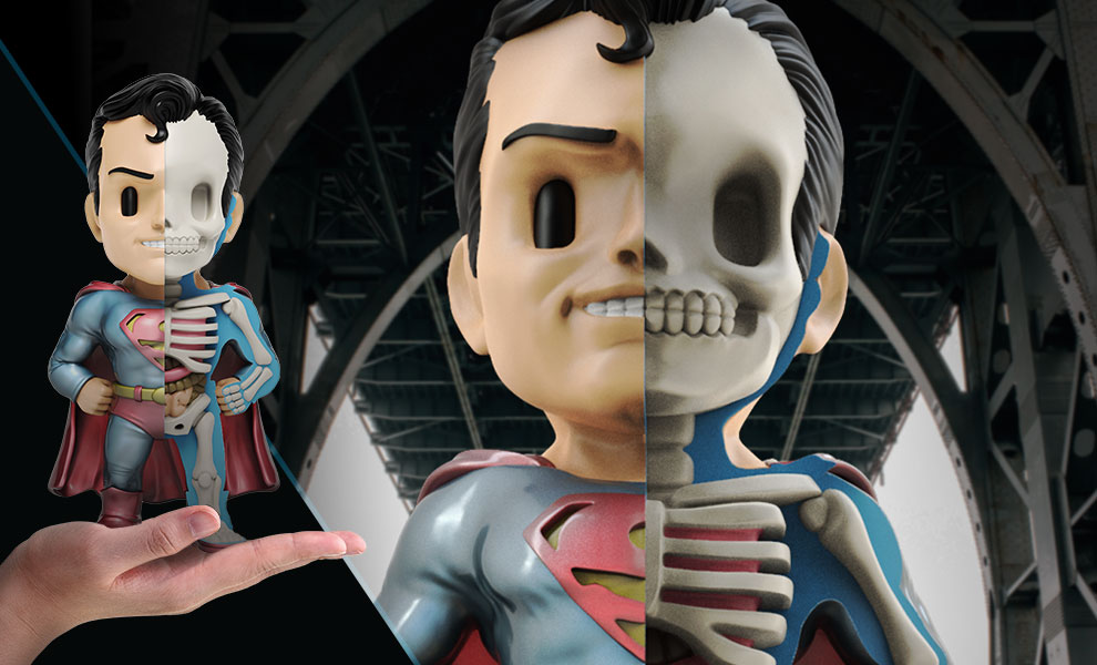 Gallery Feature Image of Superman (Metallic Edition) Vinyl Collectible - Click to open image gallery