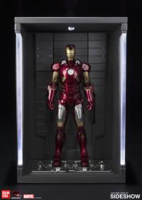 Gallery Image of Iron Man Mark VII and Hall of Armor Collectible Set