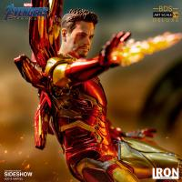 Gallery Image of Iron Man Mark LXXXV (Deluxe) Statue