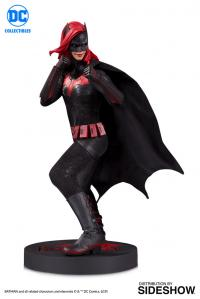 Gallery Image of Batwoman Statue