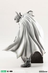 Gallery Image of Batman Arkham City 1:10 Scale Statue