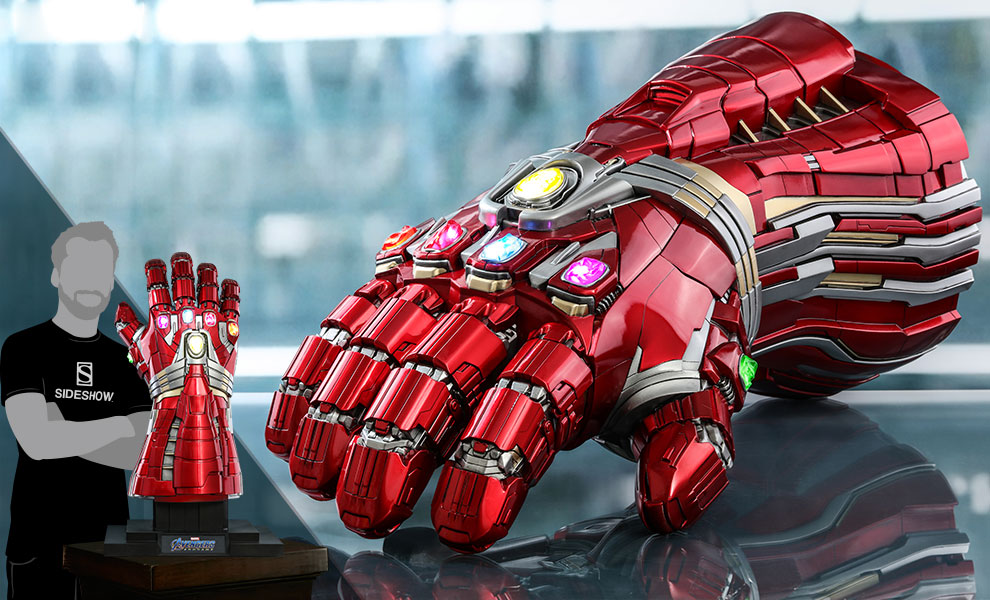 Gallery Feature Image of Nano Gauntlet (Hulk Version) Life-Size Replica - Click to open image gallery