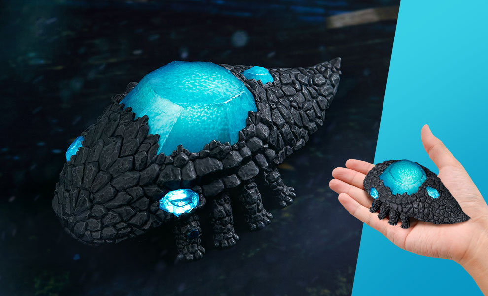 Gallery Feature Image of Crystal Lizard Light-Up Statue - Click to open image gallery