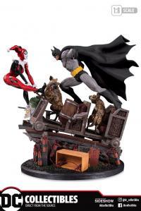 Gallery Image of Batman VS. Harley Quinn Battle Statue