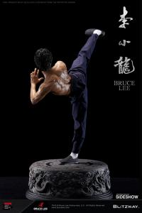 Gallery Image of Bruce Lee Tribute Statue